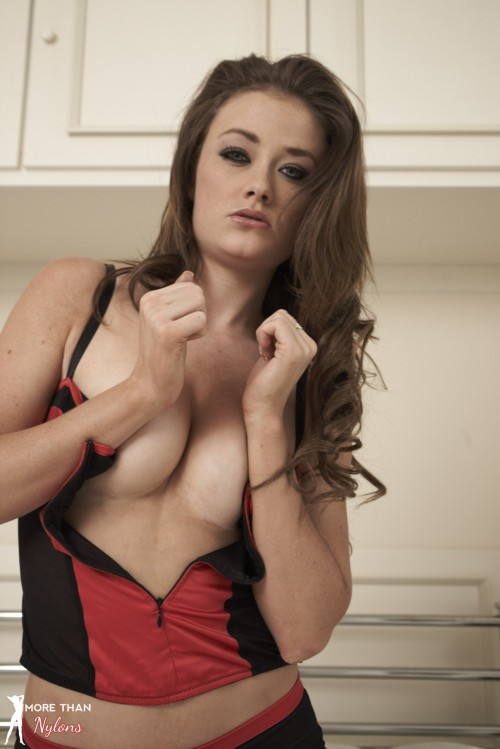 Jess Impiazzi - About A Girl - Picture 6