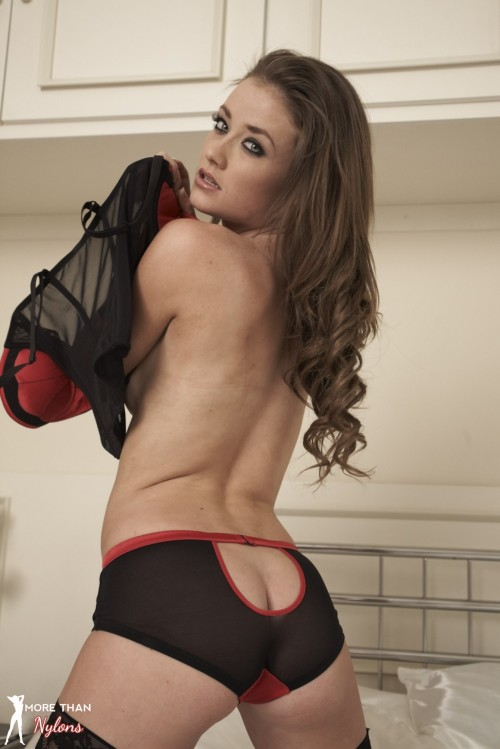Jess Impiazzi - About A Girl - Picture 8