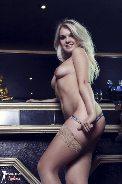Shelley Roberts - Glamour Puss - Picture 10