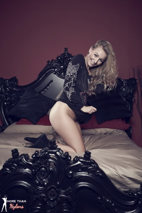 Hayley Marie Coppin - The Big Bad Bed - Picture 2