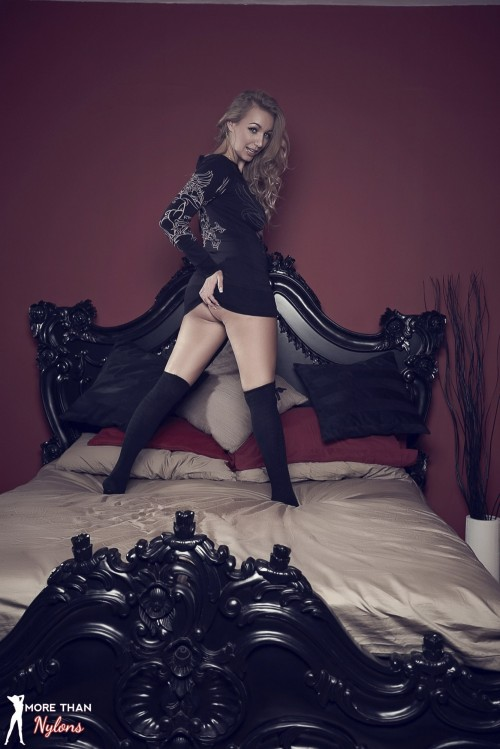 Hayley Marie Coppin - The Big Bad Bed - Picture 5