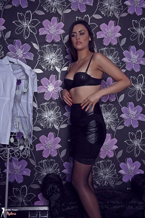 Maria Smith In The Divine Dresser - Picture 11