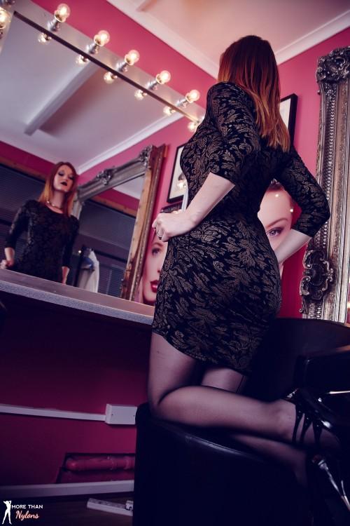 Zara Du Rose Ready For Her Big Closeup - Picture 2
